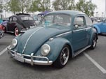 Lowered vintage Volkswagen bug with BRM mags