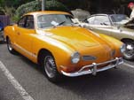 Vintage VW Karmann Ghia Coupe in Orange